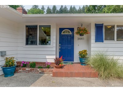 Portland Single Family Home For Sale: 3441 SW Boundary St