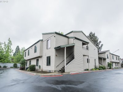 Beaverton Condo/Townhouse For Sale: 14575 SW Walker Rd #D23