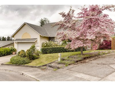 Estacada Single Family Home For Sale: 783 NE Edgehill Dr