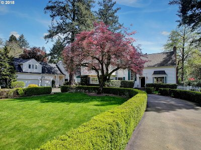 Lake Oswego Single Family Home For Sale: 17512 Lake Haven Dr
