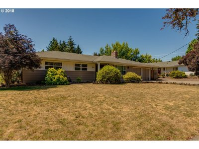McMinnville Single Family Home For Sale: 1724 NE Orchard Ave