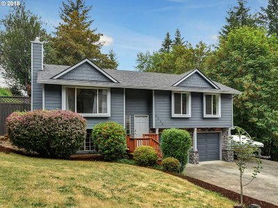 Multnomah County Single Family Home For Sale: 7723 SE 119th Ct