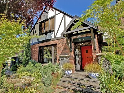 Portland Single Family Home For Sale: 1935 NE Knott St