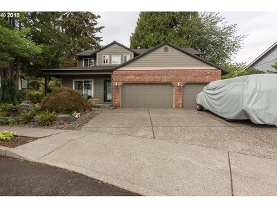 Single Family Home For Sale: 2131 SE Robin Pl