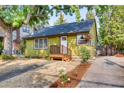 Portland Single Family Home For Sale: 1734 SE 54th Ave