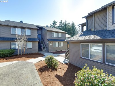 Beaverton Condo/Townhouse For Sale: 9585 SW 146th Ter #7