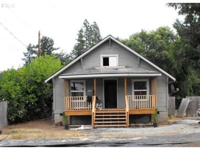 Canyonville Single Family Home For Sale: 325 N Main St
