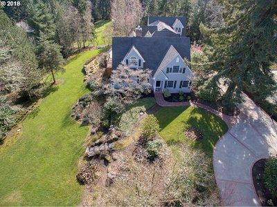 Lake Oswego Single Family Home For Sale: 13750 Knaus Rd