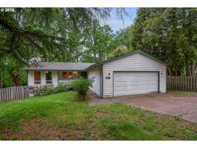 Portland Single Family Home For Sale: 13183 SW 64th Ave