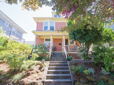 Single Family Home For Sale: 1622 NE Couch St