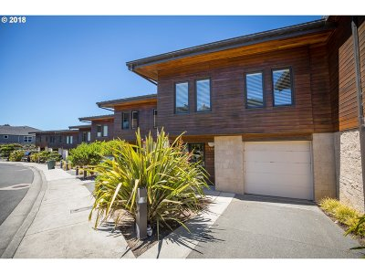 Bandon Single Family Home For Sale: 2748 Colony Cir