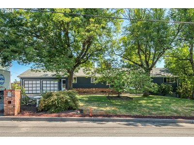 Single Family Home For Sale: 160 SW Towle Ave