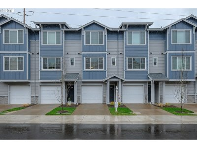 Sequoia Village Townhomes, Sequia Medows, Sequoia Park Condos, Sequoia Meadows/Meadowglade Condo/Townhouse For Sale: 325 NE 78th Ave