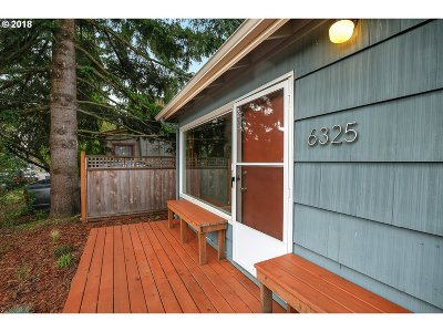 Portland Single Family Home For Sale: 6325 SE 86th Ave