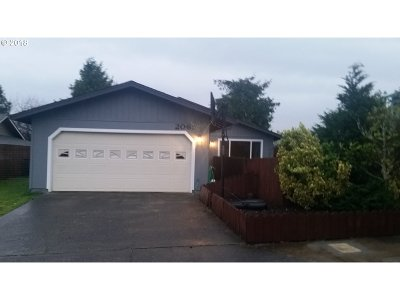 North Bend Single Family Home For Sale: 2065 Hayes