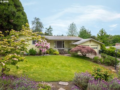 Portland Single Family Home For Sale: 3750 SW Lee St