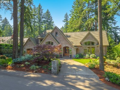 Lake Oswego Single Family Home For Sale: 320 Chandler Pl