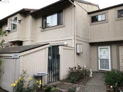 Wood Village Condo/Townhouse For Sale: 23947 NE Poplar Ct