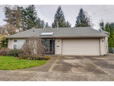 Gresham Single Family Home For Sale: 2735 SW 24th St