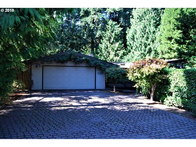 Lake Oswego, West Linn Single Family Home For Sale: 18775 Old River Dr