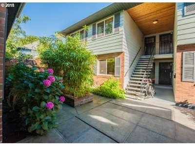 Portland Condo/Townhouse For Sale: 317 SE 32nd Ave