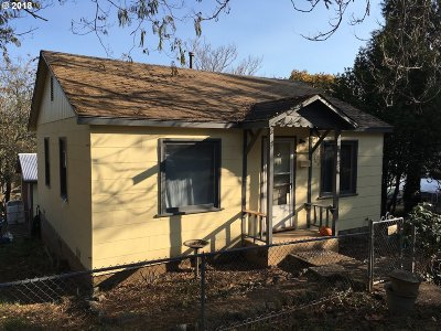 Myrtle Creek Single Family Home For Sale: 635 NW Fourth Ave