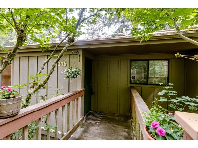 Eugene Condo/Townhouse For Sale: 206 Trailside Loop