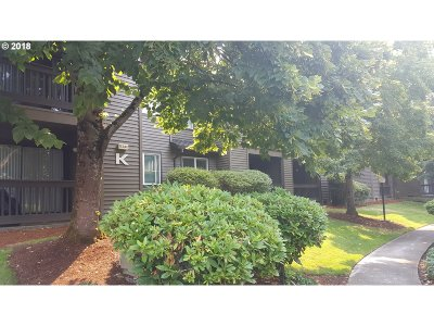 Beaverton Condo/Townhouse For Sale: 9340 SW 146th Ter #K7