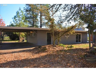 Cottage Grove Single Family Home For Sale: 79697 Delight Valley Sch Rd