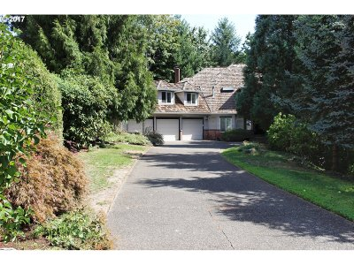 Portland Single Family Home For Sale: 1922 NW Runnymeade Ct