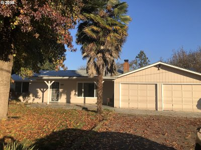 Springfield Single Family Home For Sale: 8056 Thurston Rd