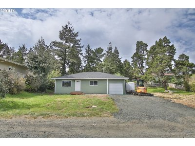 Coos Bay Single Family Home For Sale: 1610 Maxwell