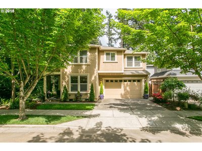 Lake Oswego Single Family Home For Sale: 17502 Erin Ct