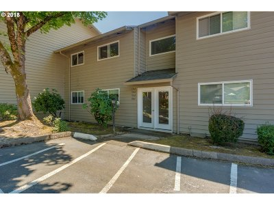 Tigard Condo/Townhouse For Sale: 11363 SW Springwood Dr
