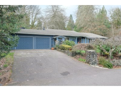 West Linn Single Family Home For Sale: 4090 Calaroga Ct