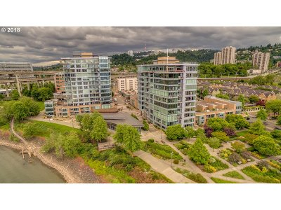 Portland Condo/Townhouse For Sale: 1930 SW River Dr #W702