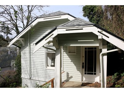 Single Family Home For Sale: 1670 SW Montgomery Dr