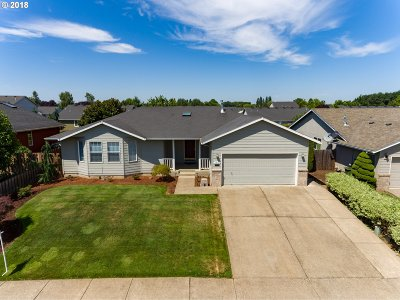 Woodburn Single Family Home For Sale: 2823 Fairway St