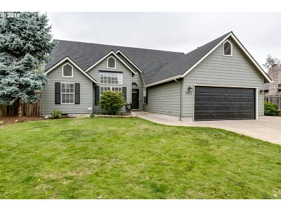 Eugene Single Family Home For Sale: 864 Sheraton Dr