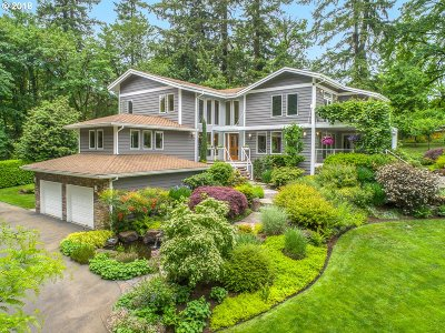 Lake Oswego Single Family Home For Sale: 1101 Forest Meadows Way