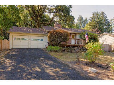 Beaverton Single Family Home For Sale: 16640 SW Oak St