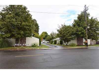 Wilsonville Multi Family Home For Sale: 533 N Cedar St