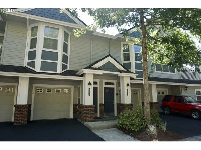 West Linn Condo/Townhouse For Sale: 6050 Summerlinn Way