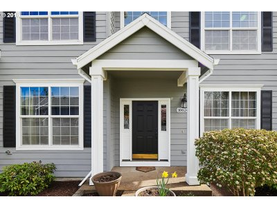 Portland Single Family Home For Sale: 10624 SW 43rd Ave