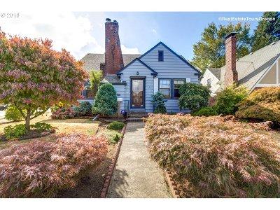 Portland Single Family Home For Sale: 4444 E Burnside St