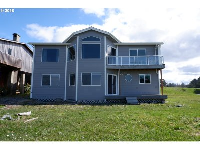 Bandon Single Family Home For Sale: 3356 Beach Loop Dr