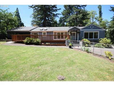 Portland Single Family Home For Sale: 11605 SW 35th Ave