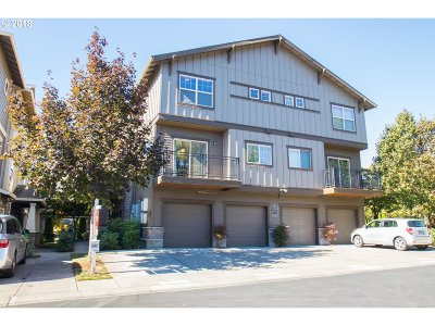 Beaverton Condo/Townhouse For Sale: 669 NE Garswood Ln