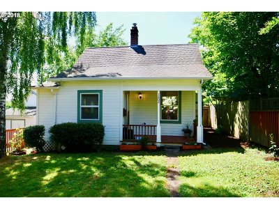 Multnomah County, Washington County, Clackamas County Single Family Home For Sale: 1802 SE Bidwell St