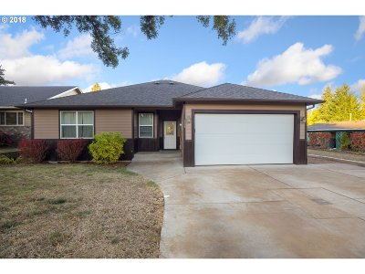 Cottage Grove, Creswell Single Family Home For Sale: 320 Holly Ave